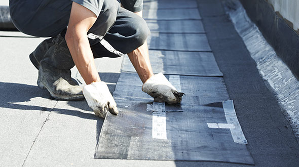 Commercial roofing system installation