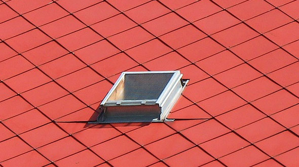 Commercial roofing system skylight pitch pan